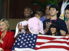 PHOTOS : J.O. : La superstar de la NBA Kobe Bryant, un supporter et sa famille !