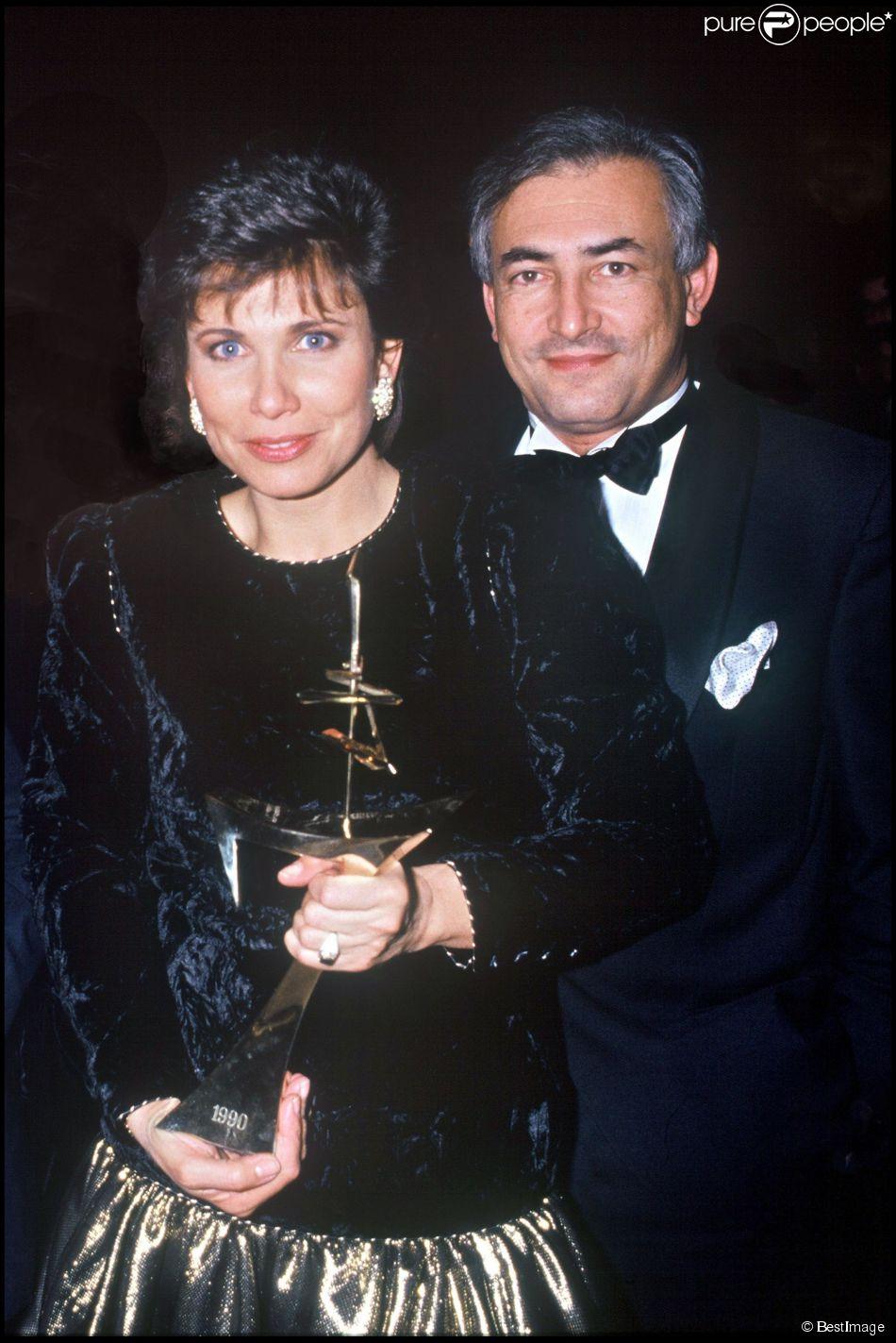 Domnique Strauss-Kahn et Anne Sinclair à la cérémonie des 7 d'Or, à Paris le 18 novembre 1990.