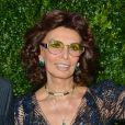 Sophia Loren lors du 9e dîner de la maison Chanel au restaurant Balthazar pendant le Festival du film de Tribeca à New York, le 22 avril 2014.