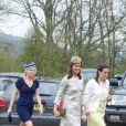Pippa Middleton prenait part - en robe Suzannah vert olive - au mariage de Rowena Macrae, sa très bonne amie depuis l'école de cuisine The Grange, et Julian Osborne, qui a eu lieu à Pertshire, en Ecosse, le 26 avril 2014.
