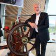 James Cameron visitant le musée Titanic le 7 septembre 2012
