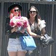 Demi Moore reçoit la visite de ses filles Rumer, Scout LaRue et Tallulah Willis à l'occasion de la fête des mères à Pasadena, le 11 mai 2014.