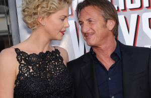Charlize Theron, grande amoureuse de Sean Penn, révèle sa belle silhouette