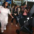 Arrivée de Kim Kardashian et sa fille North, nounou et assistantes à l'aéroport de Roissy le 18 mai 2014