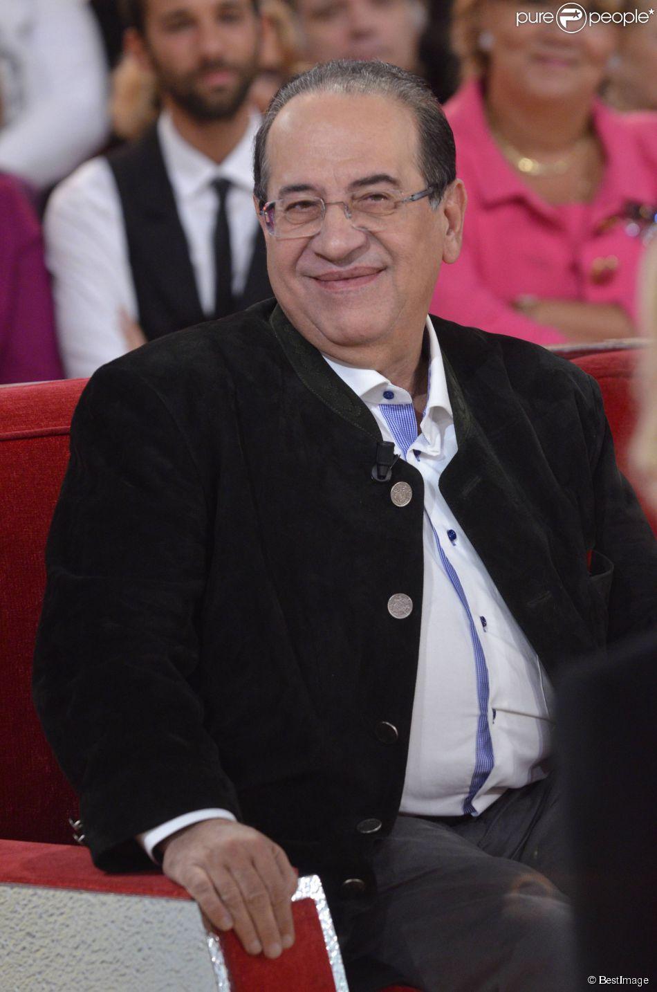 Jean-Luz Azoulay enregistre Vivement dimanche à Paris, en novembre 2011.