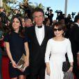"""Jack Lang, sa femme Monique et leur fille Caroline - Montée des marches du film """"Pour une poignée de dollars"""" pour la cérémonie de clôture du 67e Festival du film de Cannes le 24 mai 2014"""