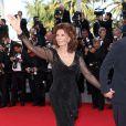 """Sophia Loren - Montée des marches du film """"Pour une poignée de dollars"""" pour la cérémonie de clôture du 67e Festival du film de Cannes le 24 mai 2014"""
