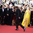 Festival de Cannes 2014 : Quentin Tarantino ne pouvait pas s'empêcher de danser sur le tapis rouge, à l'heure des 20 ans de sa Palme d'or, pour Pulp Fiction