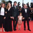 Festival de Cannes 2014 : Le tapis rouge surprenant du samedi 17 mai, qui réunit, entre autres, Julie Gayet, Mika et la fille de Salma Hayek, Valentina, avec son père François-Henri Pinault