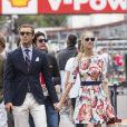 Pierre Casiraghi et Beatrice Borromeo se promenant dans les coulisses du Grand Prix de Monaco de F1, le 25 mai 2014