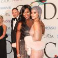Naomi Campbell et Rihanna assistent aux CFDA Fashion Awards à l'Alice Tully Hall, au Lincoln Center. New York, le 2 juin 2014.