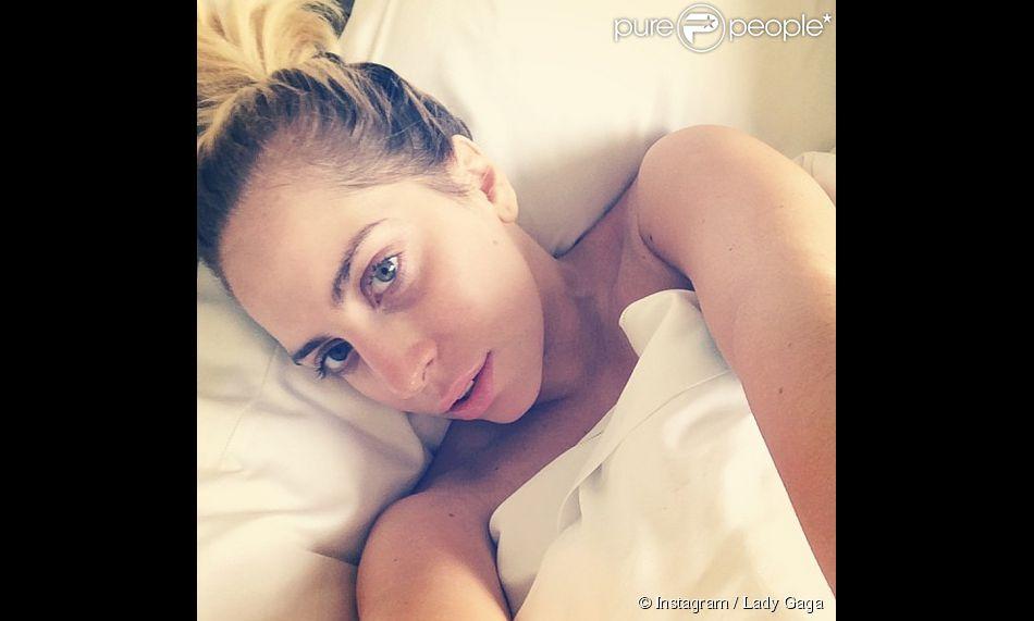 Lady Gaga a publié une photo d'elle au naturel et dans son lit sur son profil Instagram, le 4 juin 2014.