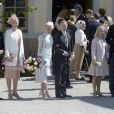 Jan Dinkelspiel, Ellen Dinkelspiel, Louise Cronstedt, Jacob Cronstedt , Charlotte Kreuger Cederlund, Christoffer Cederlund au baptême de la princesse Leonore de Suède, fille de la princesse Madeleine et de Christopher O'Neill, le 8 juin 2014 en la chapelle du palais Drottningholm à Stockholm.