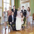 Leonore de Suède et ses parents la princesse Madeleine et Chris O'Neill avec les parrains et marraines. Photo officielle du baptême de la princesse Leonore de Suède, le 8 juin 2014 à Stockholm