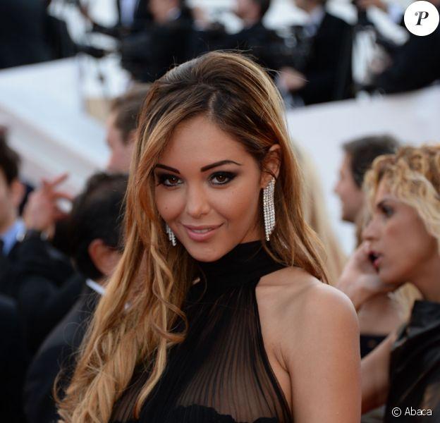 Nabilla Benattia lors de la montée des marches du Festival de Cannes pour le film The Homesman, le 18 mai 2014