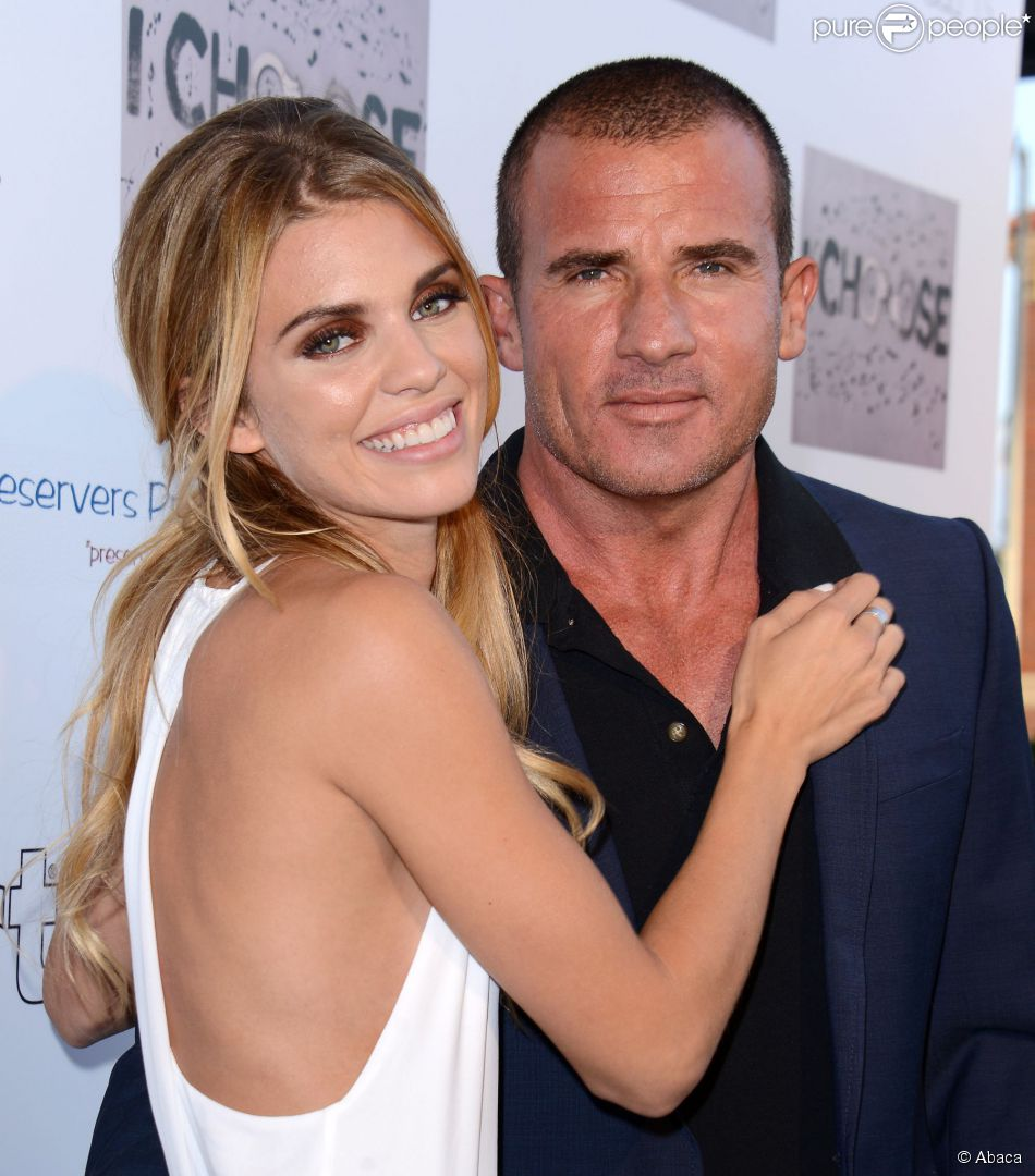 McCord   R  233 alisatrice amoureuse soutenue par son beau Dominic PurcellDominic Purcell And Annalynne Mccord