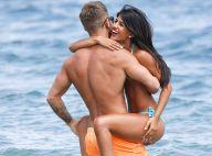 Jasmin Walia : Sexy et amoureuse à la plage, la bombe s'éclate