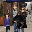 Stacey Dash avec ses deux enfants Austin et Lola, le 23 novembre 2010.