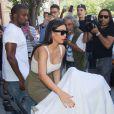 Kanye West quitte son appartement à SoHo avec Kim Kardashian et leur fille, North. New York, le 15 juin 2014.