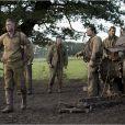 Brad Pitt aux côtés de Shia LaBeouf, Logan Lerman, Michael Peña et Jon Bernthal dans Fury.
