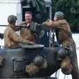 """Brad Pitt et Shia LaBeouf sur le tournage de """"Fury"""" au Royaume Uni le 4 octobre 2013."""