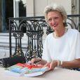 La princesse Anne de Bourbon-Siciles dédicace son dernier livre  - XXe Grand Bal des Princes au Cercle de l'Union interalliée à Paris le 24 juin 2014.