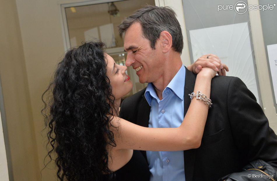 """Exclusif - Jérôme Bertin, comédien dans la série """"Plus belle la vie"""" et sa compagne Mariah Tannoury se pacsent au Tribunal d'instance du 15e arrondissement à Paris le 18 juin 2014."""