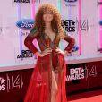 """Nadia Buari sur les tapis rouge des """"BET Awards"""" à Los Angeles le 29 juin 2014."""
