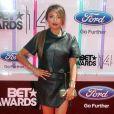 """Jeannie Mai sur les tapis rouge des """"BET Awards"""" à Los Angeles le 29 juin 2014."""
