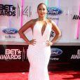 """Adrienne Bailon sur les tapis rouge des """"BET Awards"""" à Los Angeles le 29 juin 2014."""