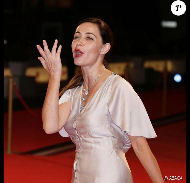 Emmanuelle Beart s'éclate à la Mostra de Venise