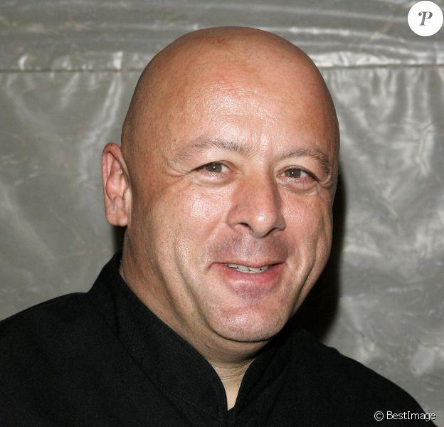 """Archives - Chef Thierry Marx - Soirée d'inauguration """"10 chefs revisitent les mythes du drugstore"""" à l'occasion des 50 ans. Le 23 octobre 2008."""