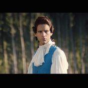 Mika : En espion ou en cow-boy, il se fait plaisir dans ''Boom Boom Boom''