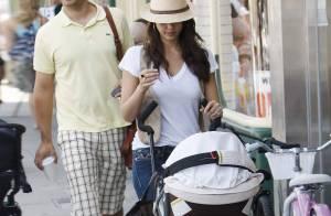 PHOTOS : Quand Jessica Alba et Cash Warren promènent bébé...