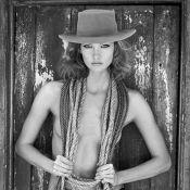 """Karlie Kloss : Un """"Kowboy"""" topless et stylé à la ferme"""