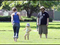 REPORTAGE PHOTOS : Jack Black avec femme et bébé... qui est le plus enfant  ?
