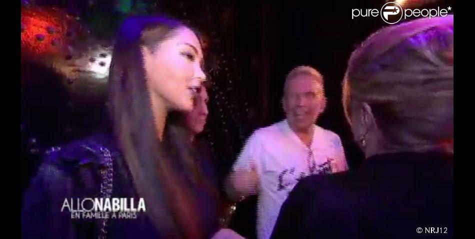 """Nabilla au défilé Jean Paul Gaultier - """"Allô Nabilla"""" saison 2 sur NRJ12. Episode du 16 juillet 2014."""