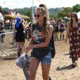 Cressida Bonas au festival de Glastonbury fin juin 2014