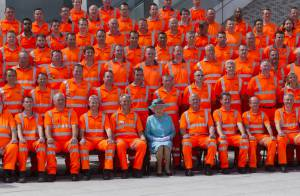 Elizabeth II : Sa séance photo à Reading, quel chantier !