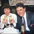 Sacha Distel et son épouse Francine en février 1990.