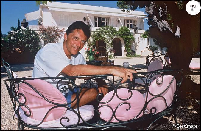 sacha distel saint troprez le 13 ao t 1996. Black Bedroom Furniture Sets. Home Design Ideas