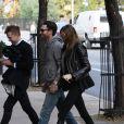 Adam Levine et sa fiancee Behati Prinsloo dans les rues de New York. Le 15 novembre 2013