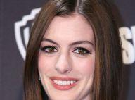 PHOTO + VIDEO : Quand Anne Hathaway tente d'aider les rescapés d'un crash aérien...