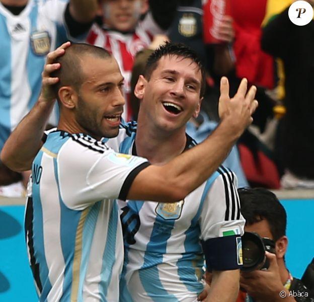 Lionel Messi et Javier Mascherano lors du match entre le Nigeria et l'Argentine, le 25 juin 2014 à Porto Alegre