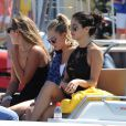 Cara Delevingne et Selena Gomez sont allées faire du shopping chez Dior à Saint-Tropez, le 23 juillet 2014.