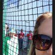 La reine Elizabeth II a photobombé les selfies des hockeyeuses australiennes aux Jeux du Commonwealth à Glasgow le 24 juillet 2014, premier jour de compétition. Twitter Ashleigh Nelson.