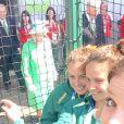 La reine Elizabeth II a photobombé les selfies des hockeyeuses australiennes aux Jeux du Commonwealth à Glasgow le 24 juillet 2014, premier jour de compétition. Twitter Anna Flanagan.