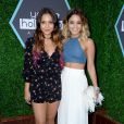 Stella Hudgens et sa soeur Vanessa Hudgens lors des Young Hollywood Awards à Los Angeles le 27 juillet 2014