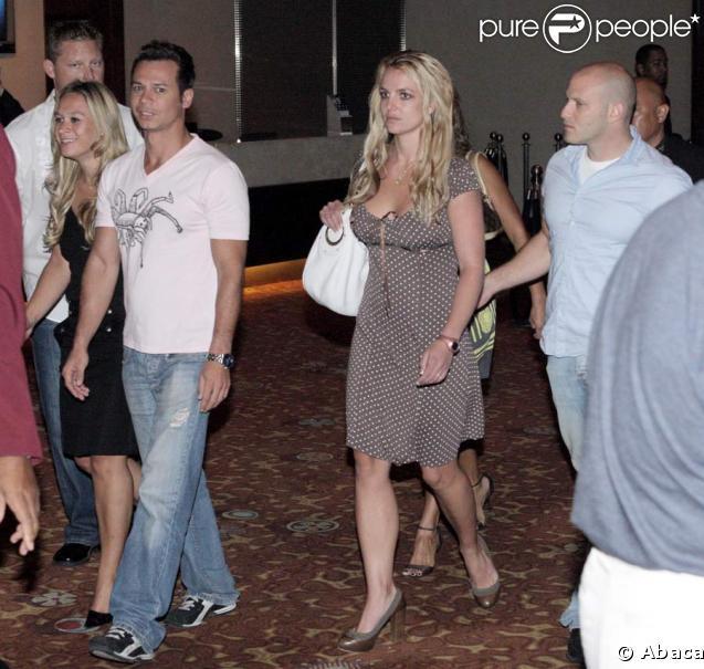 Britney Spears, ses amis, et son nouveau boyfriend ?