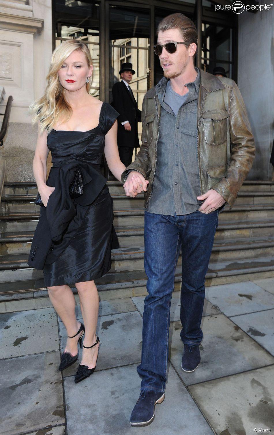 Kirsten Dunst et son boyfriend Garrett Hedlund à Londres le 13 mai ...